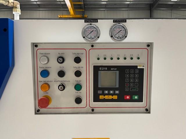 MACHTECH VR 8-4000A
